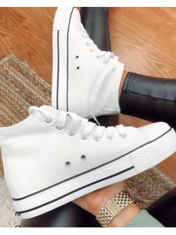 Zapatillas bota blancas...