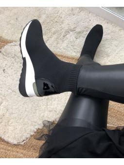 Deportiva calcetín negra...