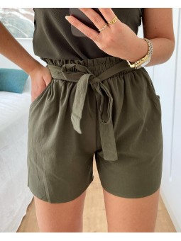 Pantalón corto lazada verde...
