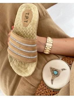 Sandalia beige combinada...