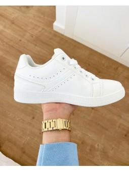 Zapatillas blancas lisas...