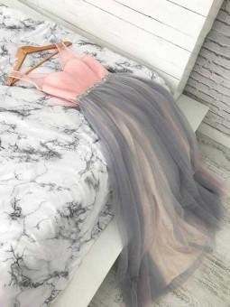 Vestido bicolor falda tul varias capas