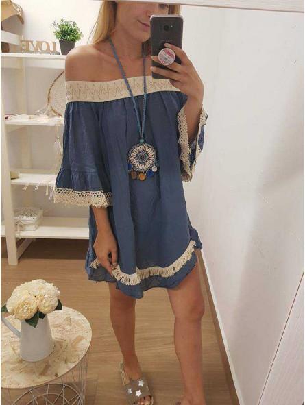Vestido o blusón azul // Collar conchas y pompones